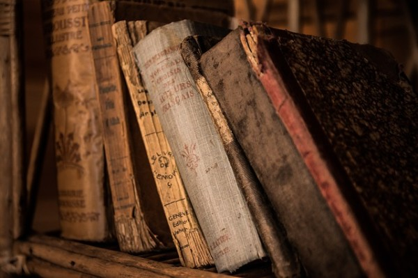 old-books_OlgaChirkova_blog_deutscheblogger_Thinkactgrow_Lifestyleblogger