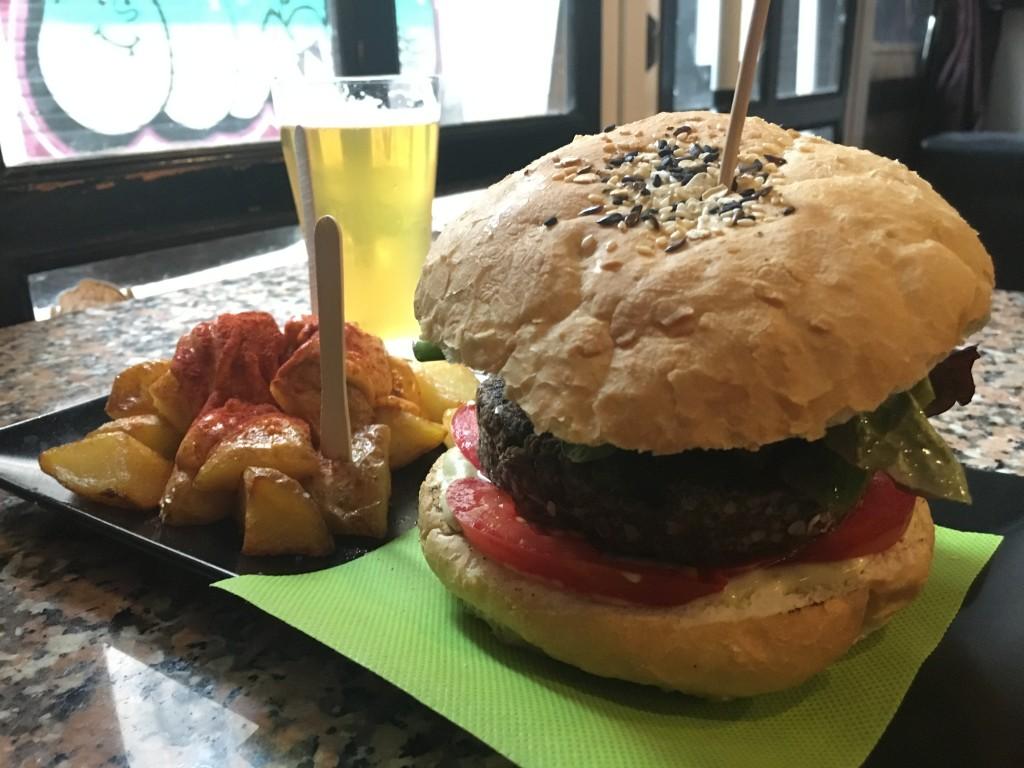 CatBar_Barcelona_OlgaChirkova_Chirkolateur_food_veganfood_in_Barcelona